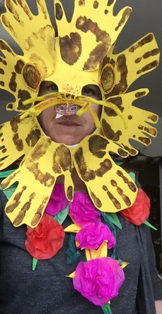 Linaker project. Teacher training, 'The Lion King'. Lion mask with neck piece planning photo.