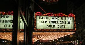 Earth, Wind & Fire - Chicago Theatre
